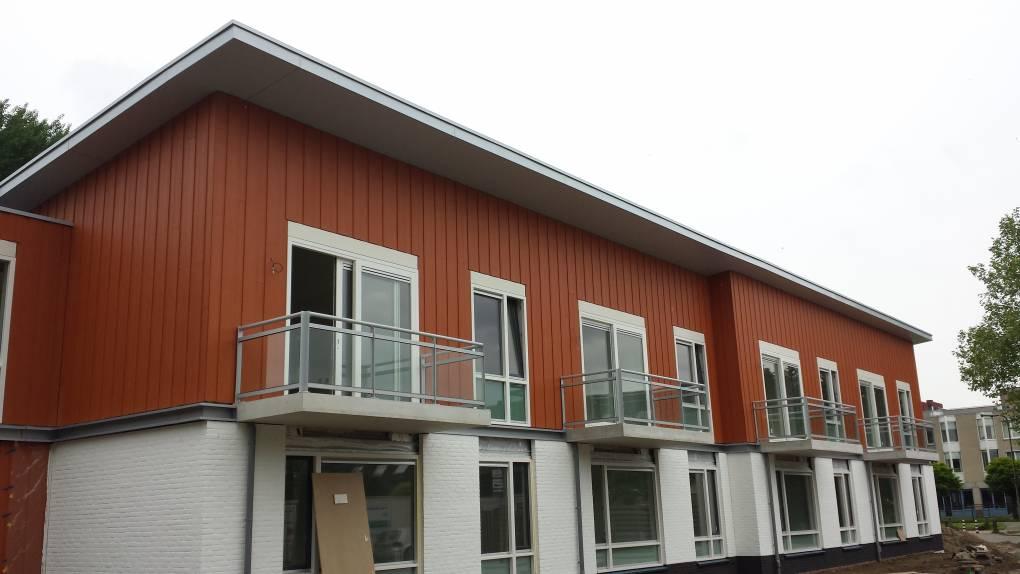 Woon Zorgcomplex bekleed met Eternit Cedral Classic door Keppelink uw specialist in gevelbekleding